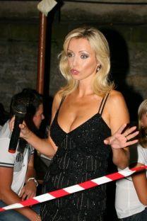 http://www.showbiz.cz/public/files/gallery/thumb/31/31ac65cc2c544287f325fb10cbb07a5f1312498638_new.jpg