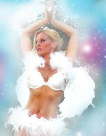 http://www.showbiz.cz/public/files/gallery/thumb/51/512e2459d1bd8145ca3e39de09914a21_new.jpg