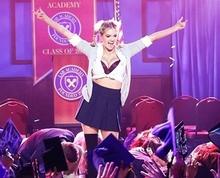 Lepší než originál! Vyprsená Kate Upton to rozjela coby Britney v televizi