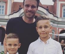 Leoš Mareš ukázal své kluky, chodí do školy za skoro čtyři sta tisíc!