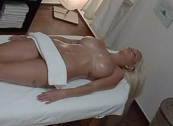 nahé sportovkyně czech massage