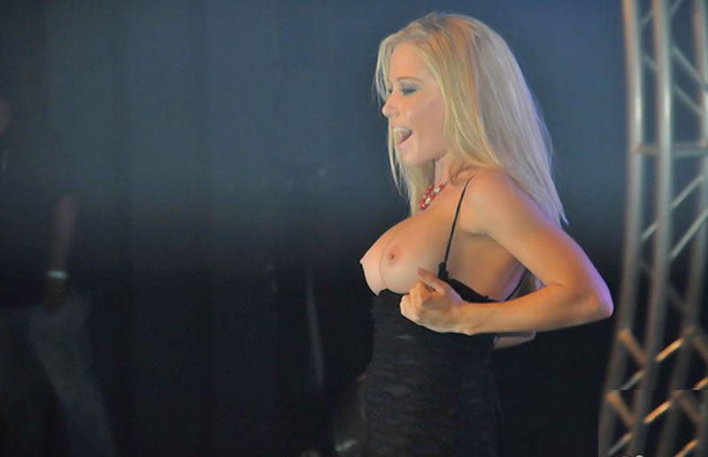 https://www.showbiz.cz/files/gallery/82/8232a4b1b61469d03b7577df24d8e8fa1313396116.jpg