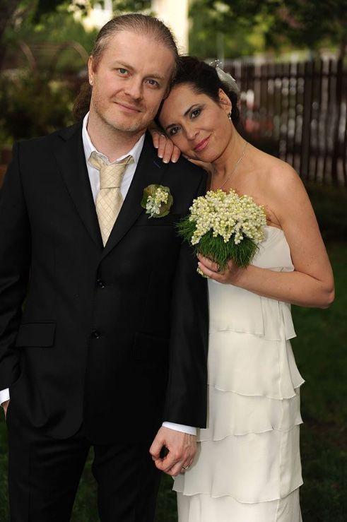Další svatba v máji! Bára Kodetová si po deseti letech vzala ... 275d9bbb19