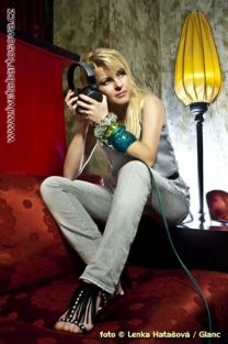 http://www.showbiz.cz/files/gallery/thumb/32/3234975b97338559711387339ced57911312525640_new.jpg