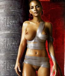http://www.showbiz.cz/files/gallery/thumb/ae/ae6ae7bb57687fb92bfc232826dabce91313396157_new.jpg