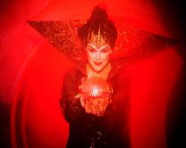 http://www.showbiz.cz/files/gallery/thumb/film/0/b6b22a5407d5dfcf907f2a2ef7d97e51_new.jpg
